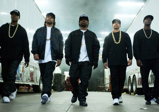 MMT review of STRAIGHT OUTTA COMPTON by guest contributor Rel Dowdell