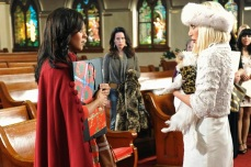 THE MISTLE-TONES - (ABC FAMILY/FRED HAYES) TIA MOWRY, TORI SPELLING